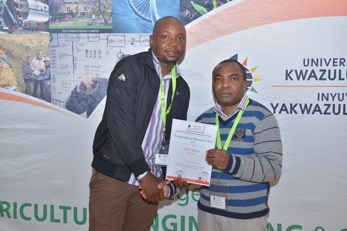 Prizes - Thabo Makhubedu won best PhD poster - SAEES